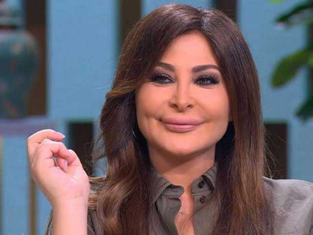 You are currently viewing إليسا تعلن إحيائها حفلا غنائيا ببغداد